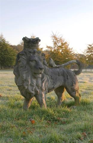 chilstone_heraldic-lion2_intro_small