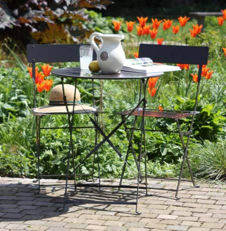 gds-002_rive_droite_table_and_chair_set